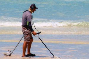 Beach and saltwater metal detecting